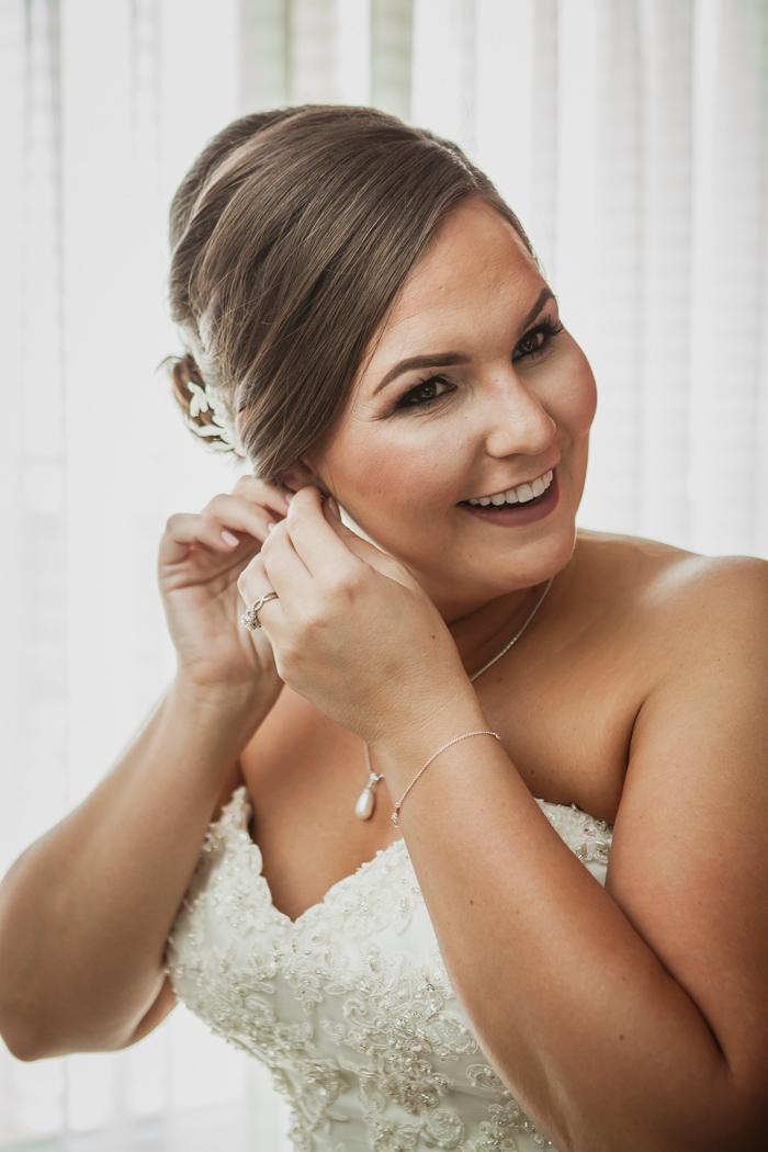 bride getting ready marriott charlotte